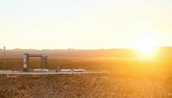 贝索斯如愿抵达太空并安全落地太空旅游正加速进入现实
